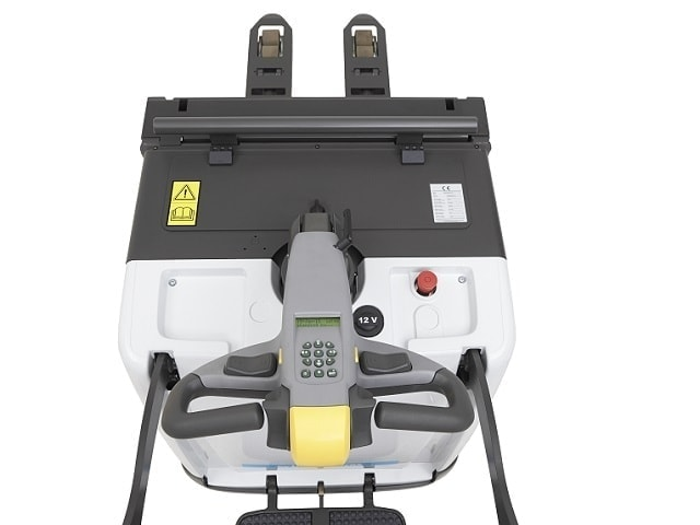 Stand-on low lifter with driver platform PMR200